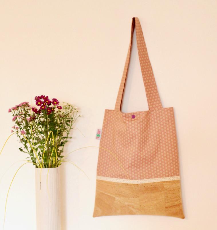 Shopper in Rosa und Kombination mit Kork + Klöppelspitze