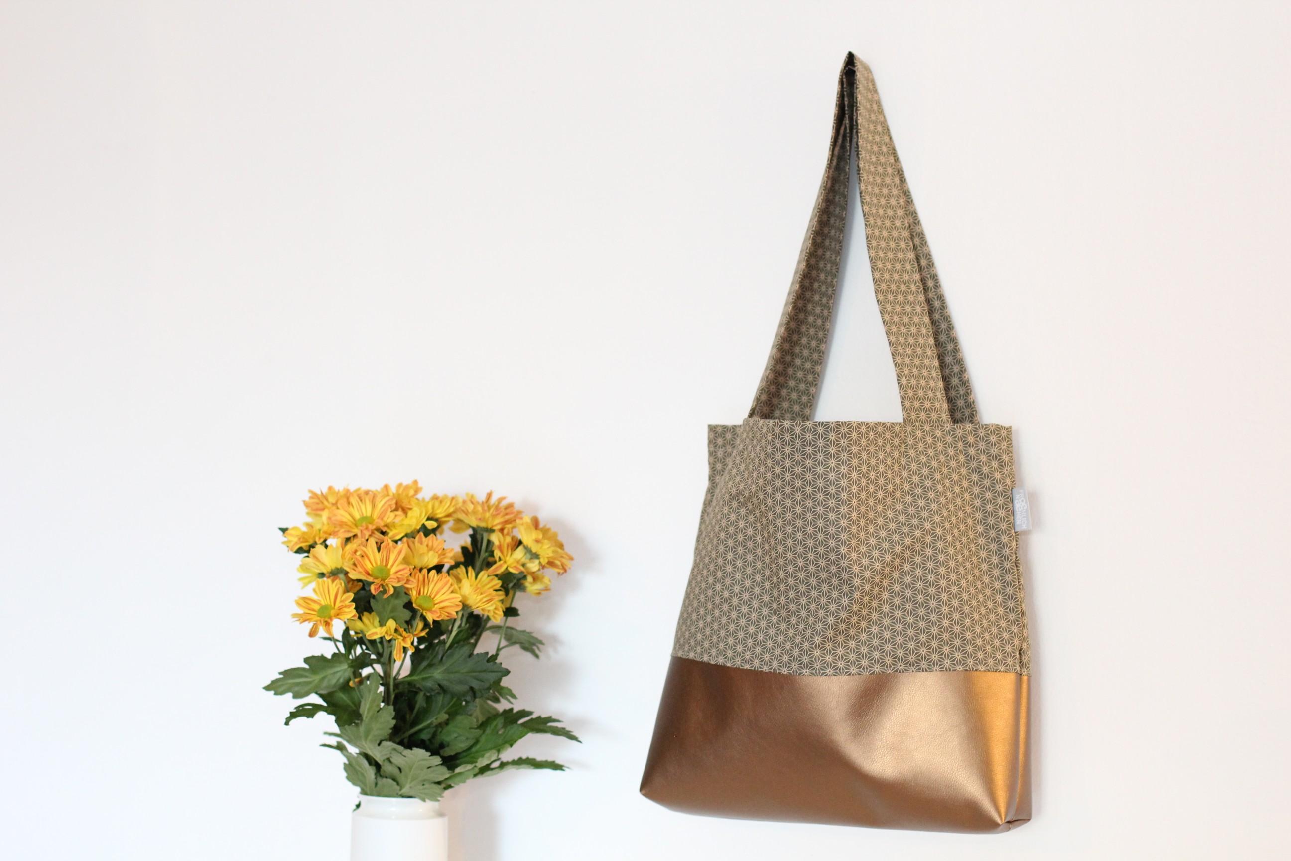 Shopper Miki Star Olive grün Kunstleder Bronzegold bronze Boden