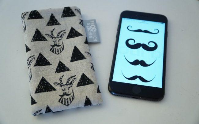 Handyhülle Smartphone Case Hirsch Hirsche Moustache Bart schwarz beige