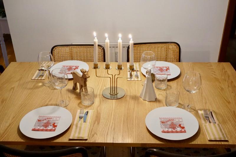 Bestecktasche Besteckhülle gold rosa Messer Gabel gestreift gedeckter Tisch Weihnachten