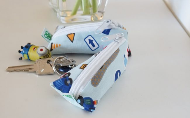 kleine Dreieckstasche Schlüsselanhänger Pflaster Globulin Geldgeschenke Autos blau Babyboy