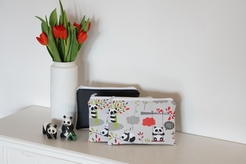 Tasche Kosmetiktasche Pandabär Panda Kunstleder mattschwarz schwarz