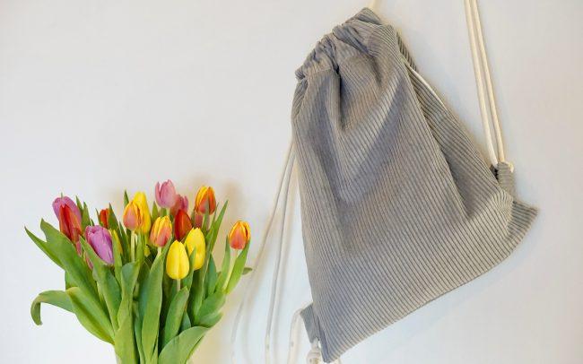 Turnbeutel Rucksack Breitcord Cord grau Seitentasche Eingrifftasche