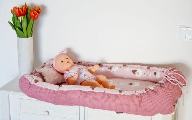 Babynest Babybett Ballerina rosa Waffelpiqué altrosa Zirbelholz Zirkenholzkissen