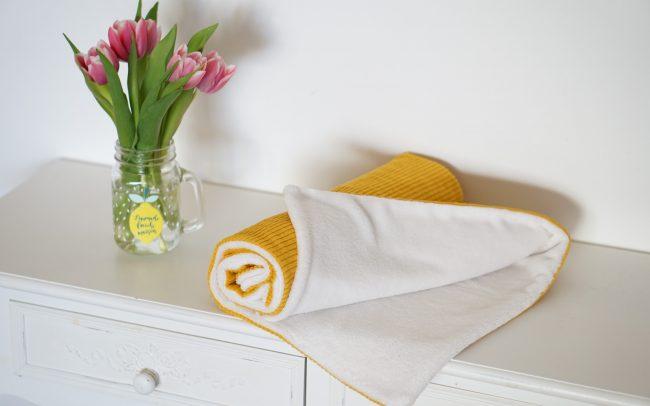 Babydecke Decke Breitcord Cord senfgelb gelb Teddyplüsch wollweiß weiß