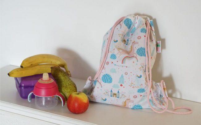 Kinderturnbeutel Kinderrucksack Rucksack Turnbeutel Einhorn Einhörner Regenbogen Prinzessin Schloss Weiß Lila Innenbeutel