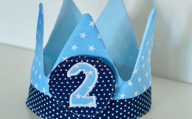 Krone Geburtstagskrone Babyboy hellblau Sterne Dunkelblau mit Zahlen